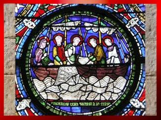 D'après La Pêche Miraculeuse, vitrail, cathédrale de Canterbury, XIe-XVe siècle, Angleterre, Royaume-Uni, période médiévale. (Marsailly/Blogostelle)