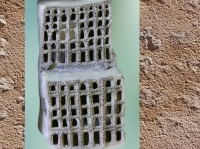 D'après une maison-autel en miniature, terre cuite, temple d'Ishtar, vers 2400 avjc, dynasties archaïques, Assur, Irak actuel, Mésopotamie. (Marsailly/Blogostelle)