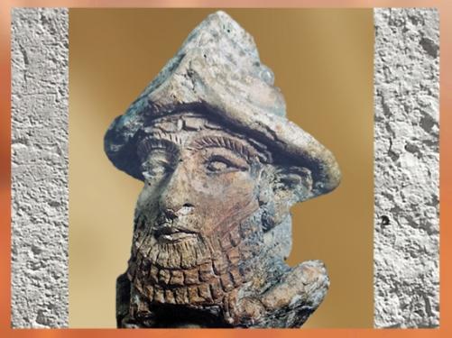 D'après le portrait d'un dieu mésopotamien, 2100 avjc ancienne Girsu, Tello, Irak. (Marsailly/Blogostelle)