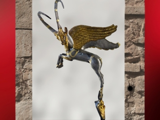 D'après un Bouquetin ailé, statuette, argent et dorure, Ve-IVe siècle avjc, Perse Achéménide, Suse, Iran actuel, Orient ancien. (Marsailly/Blogostelle)