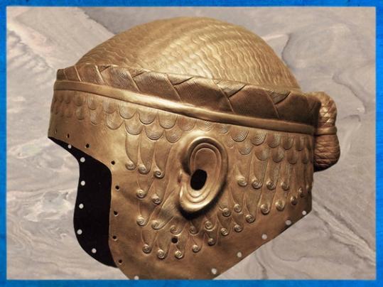 D'après le casque d'or de Meskalamdug, tombes royales d'Ur,vers 2500 avjc, période des dynasties archaïques sumériennes,Ur, actuel Irak, Mésopotamie. (Marsailly/Blogostelle)
