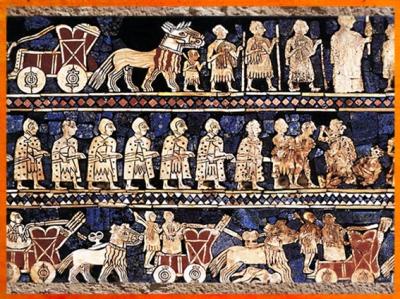 D'aprèsl'Étendard d'Ur,La Guerre, chars et fantassins, détail, mosaïque de coquille, vers 2600-2500 avjc, période des dynasties archaïques sumériennes, Ur,actuel Irak, Mésopotamie. (Marsailly/Blogostelle)