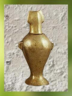 D'après de la vaisselle en électrum et argent, vase, vers 2300–2000 avjc, Anatolie. (Marsailly/Blogostelle)
