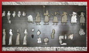 D'après l'Étendard de Mari, mosaïque incrustée, temple d'Ishtar, vers 2500-2300 ans avjc, Mari, Tell Hariri, actuelle Syrie. (Marsailly/Blogostelle)