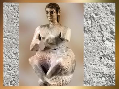 D'après la statuette dite du chanteur Ur-Nanshe, vers 2500-2400 avjc, gypse, temple de Ninni-Zaza,Mari,Tell Hariri, actuelle Syrie, Orient ancien. (Marsailly/Blogostelle)