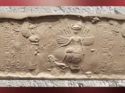 D'après la grande déesse aux Épis sous son aspect guerrier (Inanna-Ishtar), attributs lion et Étoile, vers 2340 avjc - 2200 avjc, période d'Agadé, actuel Irak, Mésopotamie (Marsailly/Blogostelle)