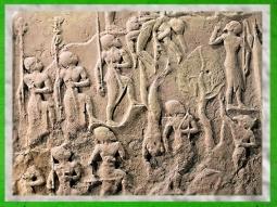 D'après la stèle de Victoire de Narâm-Sîn, les guerriers, détail, vers 2230 avjc, époque d'Agadé, Mésopotamie, butin de Suse. (Marsailly/Blogostelle)
