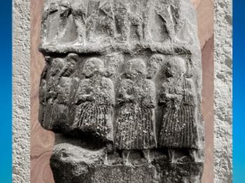 D'après la stèle de Victoire de Sargon, roi d'Akkad, diorite, vers 2300 avjc, époque d'Agadé, butin de Suse, Mésopotamie. (Marsailly/Blogostelle)