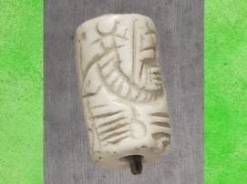 D'après un Dieu-bateau et oiseau céleste, cylindre, vers 2500-2400 avjc, Mari, actuelle Syrie, Mésopotamie. (Marsailly/Blogostelle)