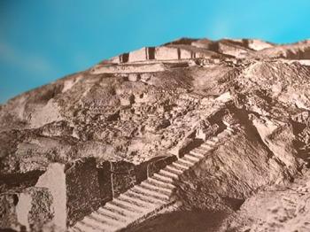 D'après les vestiges du temple Blanc d'Uruk, sanctuaire du dieu du Ciel Anu, 3300-3000 avjc, actuel Irak, Mésopotamie. (Marsailly/Blogostelle)