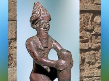 D'après un clou de fondation de Gudea, prince de Lagash, cuivre, vers 2130 avjc, époque néo-sumérienne, ancienne Girsu, Tello, Mésopotamie. (Marsailly/Blogostelle)
