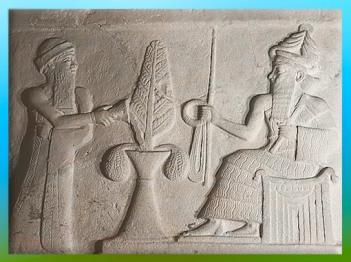 D'après une stèle d'Ur, le roi Ur-Nammu reçoit l'Anneau et la Baguette du dieu Nanna (Sîn), détail, vers 2100 avjc, Troisième dynastie d'Ur, XXIe- XXe siècle avjc, actuel Irak, Mésopotamie. (Marsailly/Blogostelle)