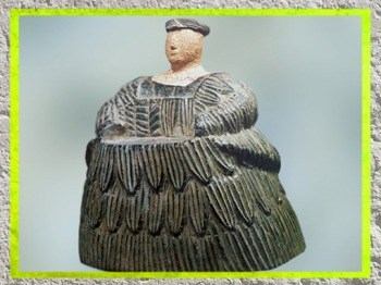 D'après la Dame à la crinoline, dite Princesse de Bactriane, chlorite et calcaire, début IIe millénaire avjc, Nord Afghanistan, civilisation dite trans-élamite. (Marsailly/Blogostelle)