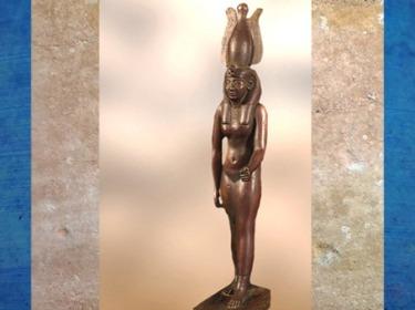 D'après Nekhbet, coiffée de la couronne blanche du Sud, déesse vautour de la Haute-Egypte, bronze, vers 664 - 332 avjc, Basse Époque. (Marsailly/Blogostelle)