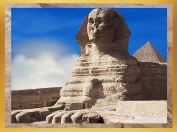 D'après le sphinx de Gizeh coiffé du royal Némès, élevé non loin de la pyramide de Khépren, roi de la IVe dynastie sous l'Ancien Empire, Égypte ancienne. (Marsailly/Blogostelle)