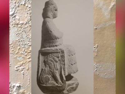 D'après la déesse Narundi, statue vouée par le roi Puzur-Inshushinak, vers 2100 avjc, époque néo-summérienne, Suse, Iran Ancien. (Marsailly/Blogostelle)