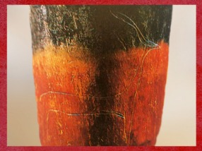 D'après un vase en terre cuite, engobe rouge et bord noir, gazelle gravée, vers 4000-3500 ans avjc, période de Nagada, Égypte ancienne. (Marsailly/Blogostelle)