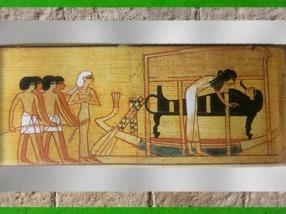 D'après Anubis et le rituel de la momification, Livre des Morts de Nebqued, papyrus peint, vers 1400 avjc, Nouvel Empire, Égypte ancienne. (Marsailly/Blogostelle)