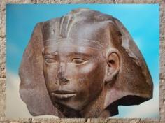 D'après le portrait de Didoufri, frère de Khéphren, coiffé du némès, grès, Abou Roach, vers 2930-2750 avjc, IVe dynastie, Ancien Empire, Égypte Ancienne. (Marsailly/Blogostelle)