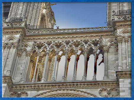 D'après Notre Dame de Paris, 1163 apjc-début XIVe siècle, art gothique. (Marsailly/Blogostelle)