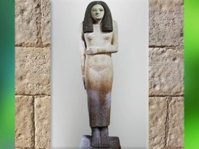 D'après la statue féminine de Nesa, calcaire peint, vers 2980 – 2475 avjc, Ancien Empire, Égypte Ancienne. (Marsailly/Blogostelle)