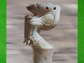 D'après une patte de taureau, ivoire d'éléphant, pied de meuble, Abydos, dynastie Thinite, Égypte Ancienne. (Marsailly/Blogostelle)