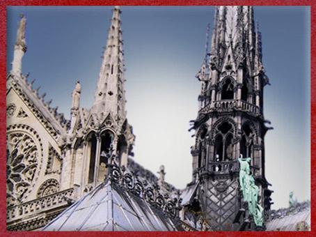 D'après la flèche de Viollet-le-Duc Notre Dame de Paris, restauration XIXe siècle. (Marsailly/Blogostelle)