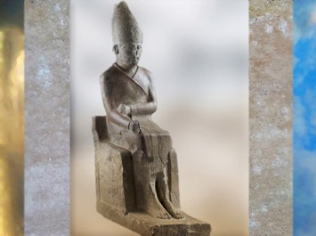 D'après le roi Khasekhem ou Khasekhemoui, calcaire, IIe dynastie Thinite, Hiérakonpolis, Égypte Ancienne. (Marsailly/Blogostelle)