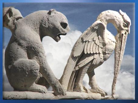 D'après les sculptures de Notre Dame de Paris, félin et pélican, 1163 apjc-début XIVe siècle, art gothique. (Marsailly/Blogostelle)