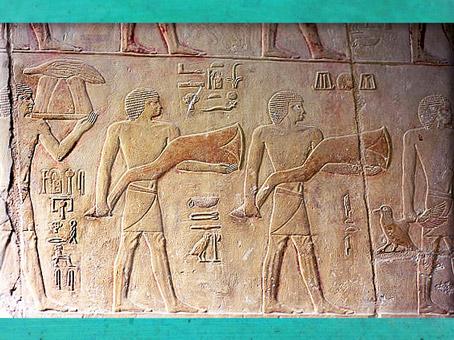 D'après des porteurs de victuailles, mastaba d'Akhhétep et de son fils Ptahotep, Ve dynastie, Ancien Empire, Saqqara, Égypte Ancienne. (Marsailly/Blogostelle)