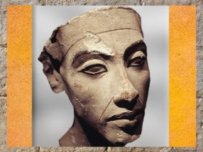 D'après une tête d'Akhénaton- Aménophis IV, stuc, Amarna, XVIIIe dynastie, Nouvel Empire, Égypte Ancienne. (Marsailly/Blogostelle)