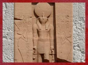 D'après Rê-Horakhty, coiffé du disque solaire et de l'uraeus royal, temple de Ramsès II, Abou Simbel, XIXe dynastie, Nouvel Empire, Égypte Ancienne. (Marsailly/Blogostelle)