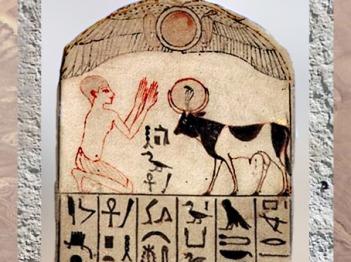 D'après une stèle dédiée au taureau Apis, calcaire, Sérapeum de Saqqara, Nouvel Empire, Égypte Ancienne. (Marsailly/Blogostelle)
