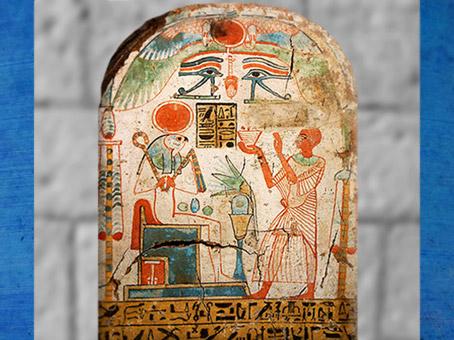 D'après Rê-Horakhty, encensé par le prêtre Padiouiset, et œil Oujdat, bois peint, XXe dynastie, Nouvel Empire, Égypte Ancienne. (Marsailly/Blogostelle)