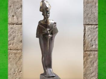 D'après Osiris coiffé de la couronne Atef, bronze et fils d'or, yeux en argent, vers 332-30 avjc, époque Ptolémaïque, Égypte Ancienne. (Marsailly/Blogostelle)
