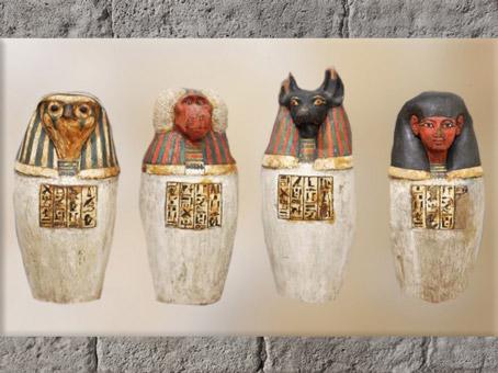 D'après les 4 fils d'Horus, vases canopes de Padiouf, bois stuqué, Troisième période intermédiaire, vers 1090 - 663 avjc, Égypte Ancienne. (Marsailly/Blogostelle)