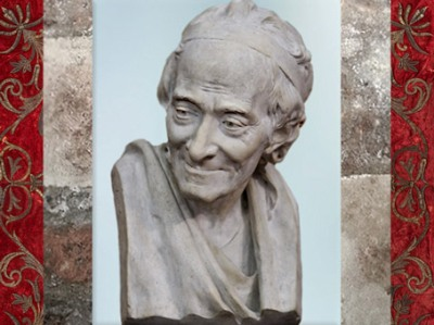 D'après un buste de Voltaire sur le modèle de Jean-Antoine Houdon, plâtre, signé F.P.Houdon 1780 apjc, XVIIIe siècle, Petit Palais, Paris. (Marsailly/Blogostelle)