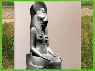 D'après la déesse Sekhmet, basalte, XVIIIe dynastie, règne du roi Amenhotep III, Nouvel Empire, Égypte Ancienne. (Marsailly/Blogostelle)