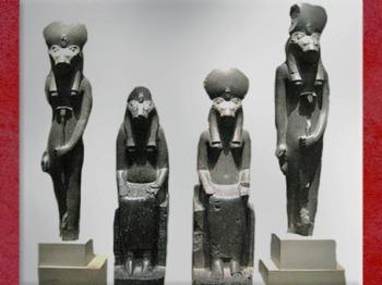 D'après la déesse Sekhmet à tête de lionne, statues en basalte, règne d'Amenophis III, temple de Mout, Thèbes, XVIIIe dynastie, Nouvel Empire, Égypte Ancienne. (Marsailly/Blogostelle)