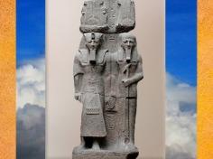 D'après Ptah et Ramsès II, haut-relief colossal, XIXe dynastie, Memphis, Nouvel Empire, Égypte Ancienne. (Marsailly/Blogostelle)