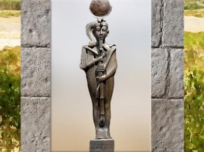 D'après le jeune dieu Khonsou, statuette en bronze, vers Troisième Période Intermédiaire, Égypte Ancienne. (Marsailly/Blogostelle)