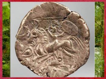 D'après un cavalier gaulois et sanglier, statère osisme, electrum (or et argent), Laniscat, Finistère, Bretagne, Ier siècle avjc, Gaule celtique. (Marsailly/Blogostelle)