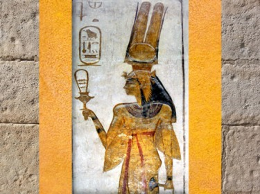 D'après la reine Nerfertari, coiffe vautour, sistre et lotus, épouse de Ramsès II, temple Abu Simbel, XIXe dynastie, Nouvel Empire, Égypte Ancienne. (Marsailly/Blogostelle)