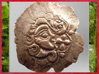 D'après un portrait, statère osisme, electrum (or et argent), Laniscat, Finistère, Bretagne, Ier siècle avjc, Gaule celtique. (Marsailly/Blogostelle)