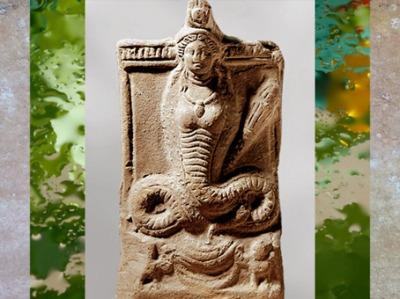 D'après la déesse Isis-Thermouthis, figurine en terre cuite, IIe siècle apjc, période Romaine, Égypte Ancienne. (Marsailly/Blogostelle)