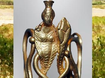 D'après la déesse serpent Isis-Thermouthis, bague en or, Ier siècle apjc, période Romaine, Égypte Ancienne. (Marsailly/Blogostelle)