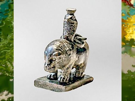 D'après un hippopotame et cobra, figurine en bronze, fin du Ier siècle- IIe siècle apjc, tombe d'un médecin, Bingen-am-Rhein, Allemagne, époque Romaine. (Marsailly/Blogostelle)