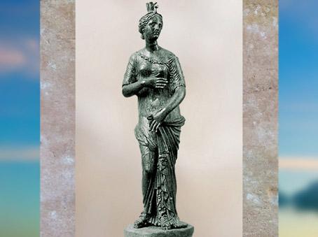 D'après la déesse Isis-Aphrodite, statuette en bronze, Tartous, Syrie, époque Romaine. (Marsailly/Blogostelle)