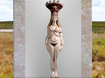 D'après la déesse Isis-Aphrodite, nue et parée, statuette en terre cuite peinte sur engobe blanc, IIe siècle apjc, époque Romaine. (Marsailly/Blogostelle)