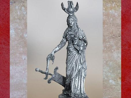 D'après la déesse Isis-Tyché, avec coiffe égyptienne et gouvernail, statuette, argent, Ier siècle, période Romaine. (Marsailly/Blogostelle)